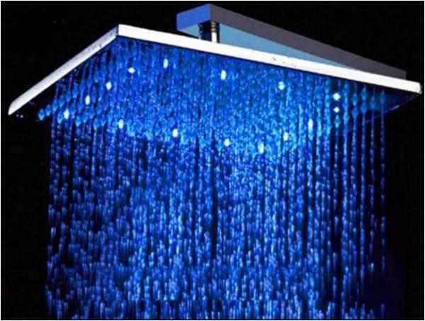 LED Brausedusche eckig 300 mm als Regendusche, 30 cm in Messing verchromt, eckige Duschbrause